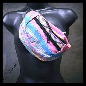 Handbags - 🆕Boho Aztec Patterned Mini Fanny Pack